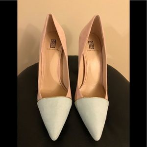 Pastel pumps with gold detail. Never worn!!